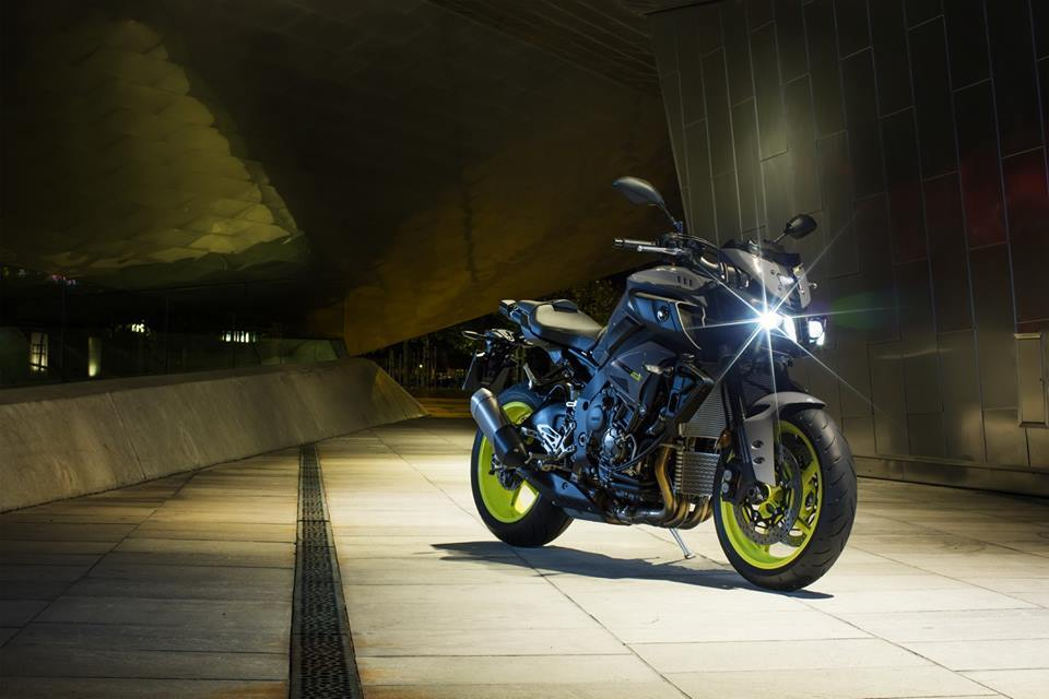 VIDEO: New Yamaha MT-10. Ray of Darkness