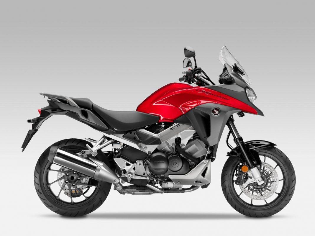 Honda představuje novinku 2015: VFR800X Crossrunner