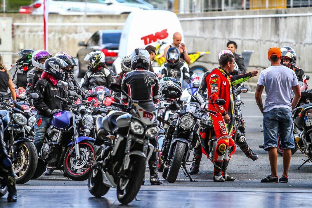 FOTOGALERIE: Motocyklový den žen se Suzuki 2016