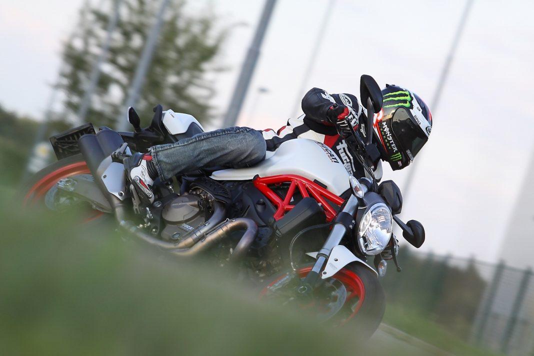 MH Test: 2015 Ducati Monster 821