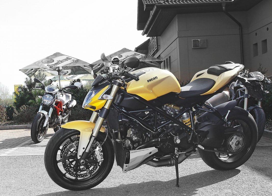 Test z archivu: Ducati Monster 796 vs. Ducati Streetfighter 848
