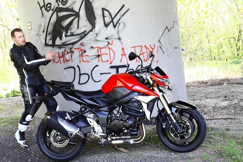 První v ČR - víme jak jezdí Suzuki GSR750