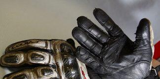 Vydrží motocyklové rukavice 100 000 kilometrů? Tady je odpověď