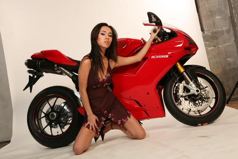Daniela a Ducati 1098S