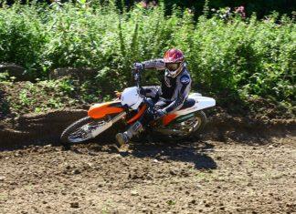 Jak jezdit enduro: aneb pozice jezdce při motocrossu