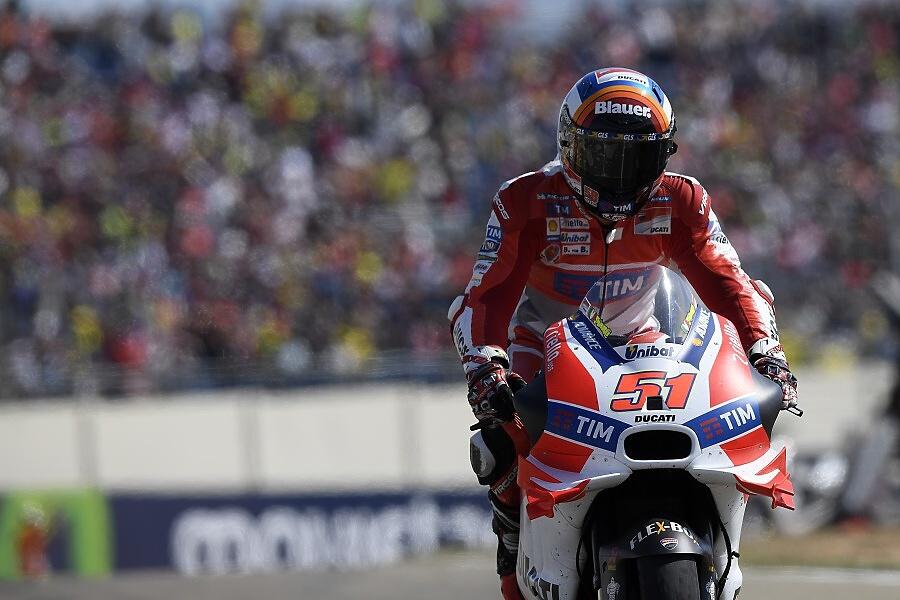 Testovací jezdec Ducati Michele Pirro prozradil - křidélka nám chybí