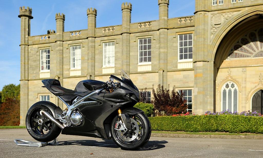 Superbike z Doningtonu: Norton V4 RR & SS