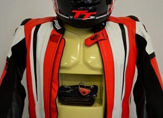 Náš tip: Stojan na motocyklovou výstroj