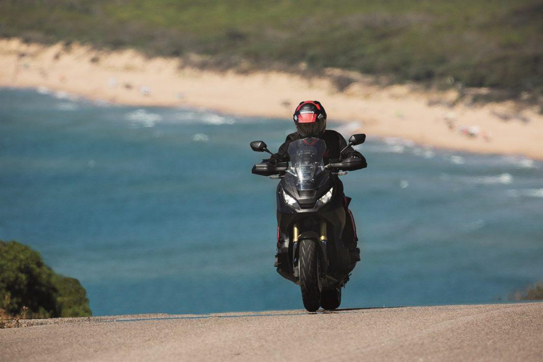 Adventure skútr Honda X-ADV se stal skutečností