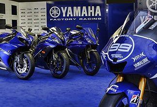 Nové barvy pro supersporty Yamaha 2013
