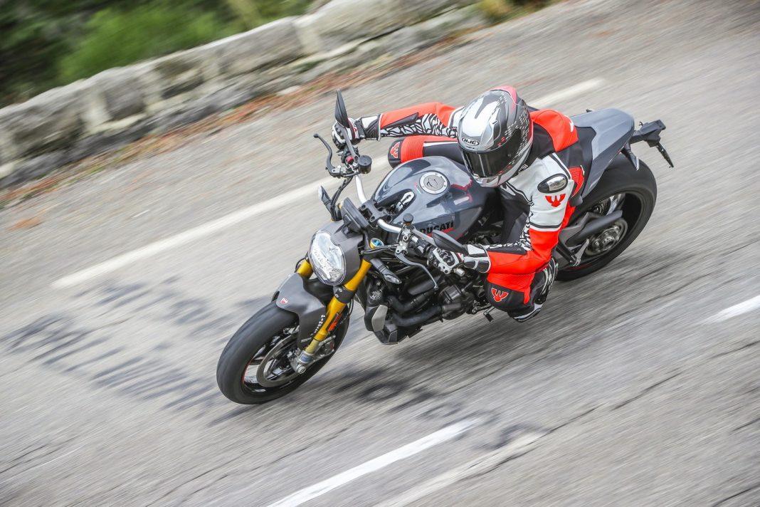 První jízda: 2017 Ducati Monster 1200S + video