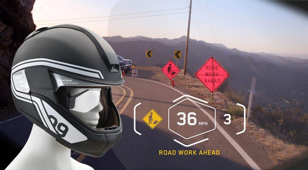 BMW ukázalo head-up displej v přilbě