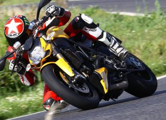 Ducati 848 Streetfighter: Zlobostroj