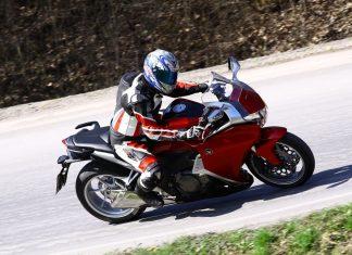 TEST: Honda VFR1200F