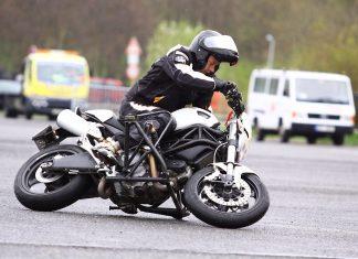 Bezpečně na motorce s Mírou Lisým