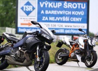 Test z archivu: Buell 1125 R vs. KTM 990 SuperDuke R