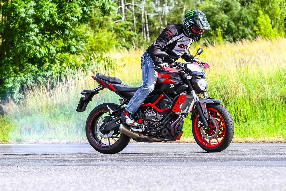 TEST – Yamaha MT-07 Moto Cage