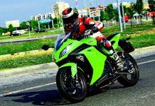 TEST: Kawasaki Ninja 300