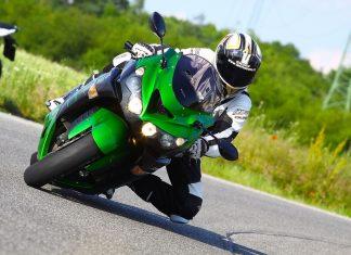 TEST: Kawasaki ZZR1400 Performance Sport