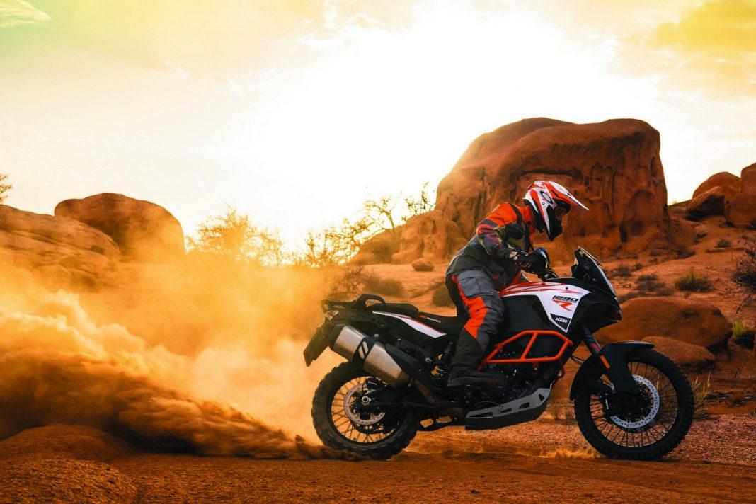INTERMOT 2016: KTM kompletně překopala řadu Adventure + velká fotogalerie