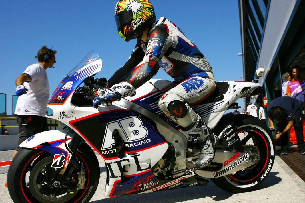 MotoGP Aragon: Abaja ukrojil dvě vteřiny z pátečního maxima
