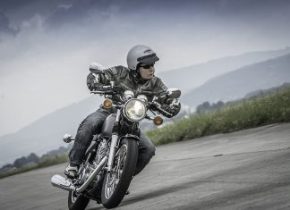 MH Test: Yamaha SR400