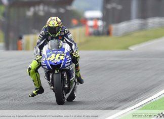MotoGP: Rossi kritizuje start z boxové uličky