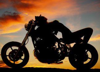 Jak jezdit: na motorce v noci