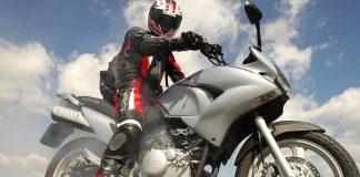 "TEST: motorka ""pro mlaďáky"" Honda XL125V Varadero"