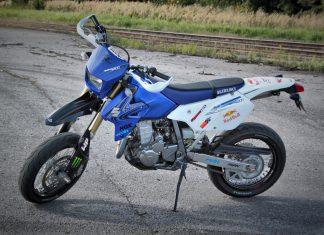Ojetina: Suzuki DR-Z 400 SM - na pomezí slušnosti